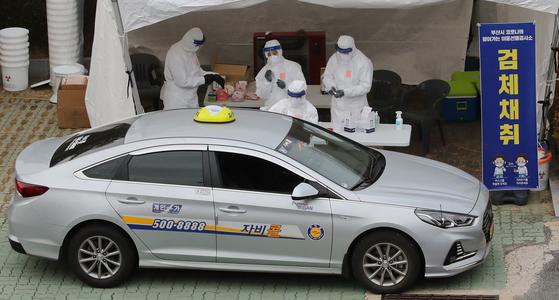 숨은 감염 147명 찾았다···선제검사 했더니 택시 등 확진속출