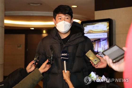 지난해 12월 한국프로야구선수협회 신임 회장으로 선출된 NC 양의지. 연합뉴스