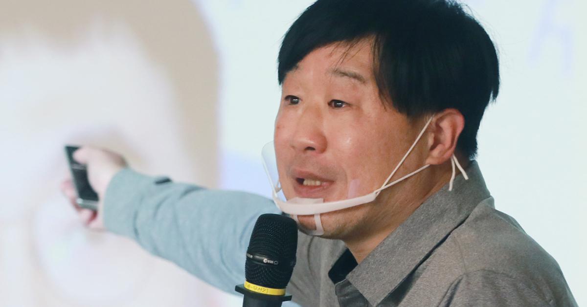 서민 단국대학교 교수가 지난해 11월 11일 서울 여의도 국회 의원회관에서 열린 국민의힘 '명불허전 보수다'에서 야당의 길의 주제로 강연을 하고 있다. 오종택 기자
