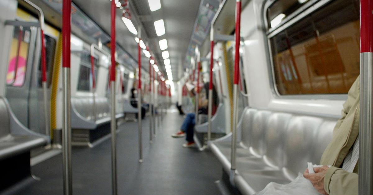 홍콩 교통철도(MTR) 객실 내부. AFP=연합뉴스