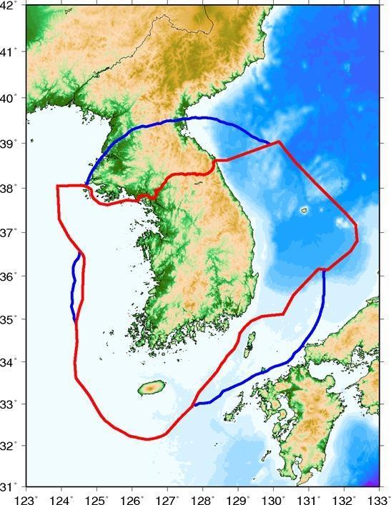 2017년 12월 조정한 지진 조기경보 영역. 기존 영역(붉은색 선)에 파란색 선으로 표시된 영역이 더해진 것이다. 자료: 기상청