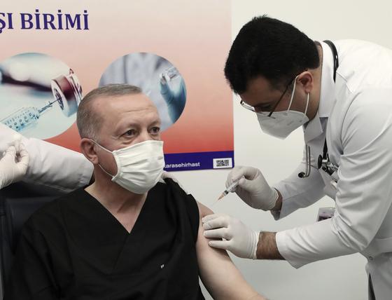 에르도 간 터키 대통령은 14 일 시노 박 백신을 맞을 예정이다. [AP=연합뉴스]