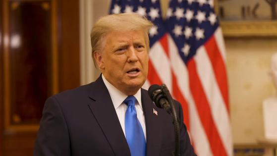 도널드 트럼프 미국 대통령이 19일(현지시간) 백악관 근무 마지막 날 고별 연설을 하고 있다. [EPA=연합뉴스]