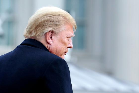 WSJ 트럼프, 측근과 신당 창당 논의…당명은 애국당