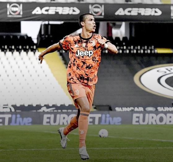 유벤투스가 호날두의 활약으로 이탈리아 수퍼컵 통산 9회 우승을 달성했다. [사진 호날두 인스타그램]