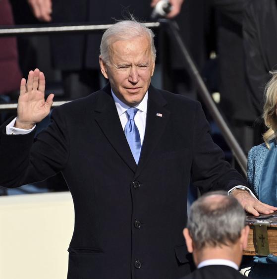 조 바이든 미국 대통령이 20일(현지시간) 낮 12시(한국시간 21일 오전 2시) 제46대 미국 대통령에 취임했다. AP=연합뉴스