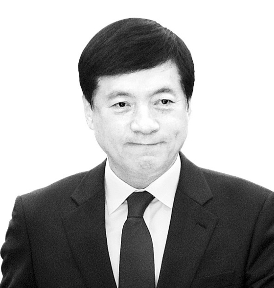 """""""이규원, 김학의 공식 문서 위조 … 이성윤이 조사를 가로 챈다"""""""
