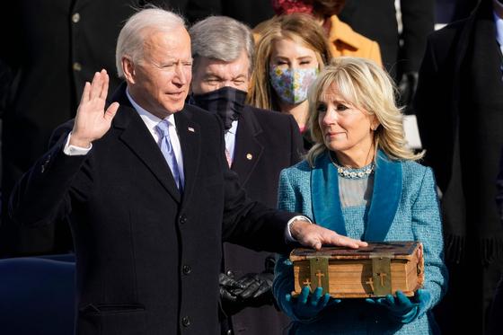 조 바이든 미국 대통령이 20일 취임 선서를 하고 46대 대통령에 취임했다. [AFP=연합뉴스]