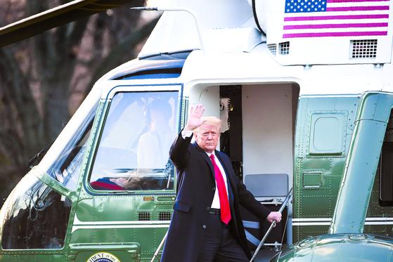 [사진] 백악관 떠나는 트럼프