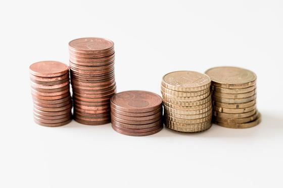 돈 때문에 생기는 오해와 실망을 줄이고, 돈 때문에 발생할 수 있는 갈등을 줄이려면 '인정, 소통, 공부' 세 가지 태도를 가져야 한다. [사진 unsplash]
