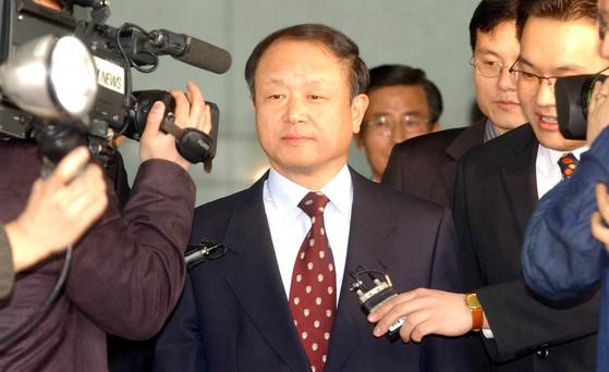 2004년 검찰총장 시절의 송광수 변호사. 중앙포토