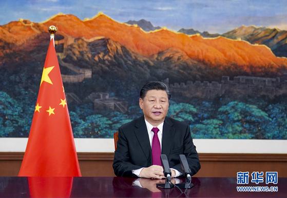 25일 시진핑 중국 국가주석이 2021 다보스포럼 특별 화상 연설을 하고 있다. [신화망]