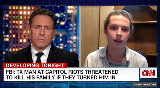 24일(현지시간) CNN과 인터뷰에서 잭슨 레피트(오른쪽)가 의사당 난입 사건과 관련해 아버지를 신고한 사실을 고백하고 있다. [CNN화면 캡처]