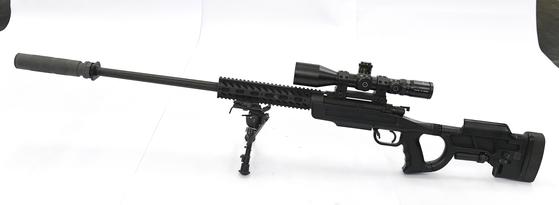 소음기가 장착된 K-14 저격용 소총 모습. [사진 방위사업청]