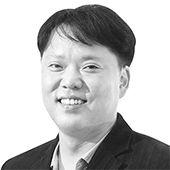임장혁 정치부 차장·변호사