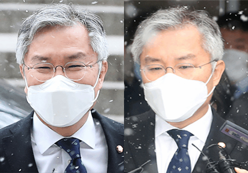 28일 서울중앙지법에서 열린 재판 전후 최강욱 열린민주당 대표의 표정. 장진영기자