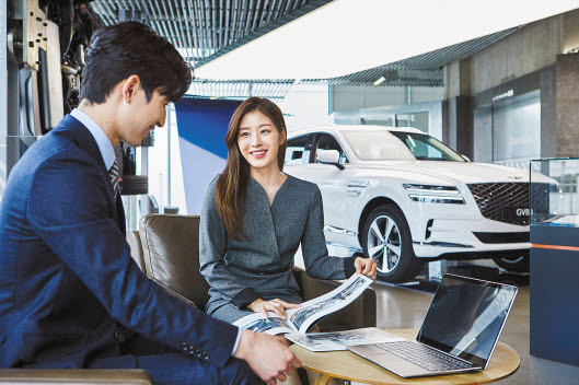 현대캐피탈이 그간 축적한 자동차 금융 노하우를 바탕으로 고객 맞춤형 금융 프로그램 'G-Finance'를 선보였다. 이를 이용하면 고객이 원하는 형태로 다양한 조건을 조합할 수 있다. 자동차 금융의 비스포크 시대를 열어 가고 있다. [사진 현대캐피탈]