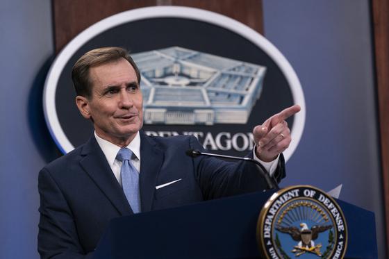 """존 커비 미국 국방부 대변인이 28일(현지시간) 미 국방부 기자실에서 브리핑을 열고 """"한반도보다 중요한 것은 없다. 준비 태세에 전념할 것""""이라고 밝혔다. [AP=연합뉴스]"""