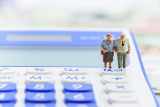 더불어민주당이 퇴직연금 수익률을 높이기 위해 디폴트 옵션(사전 지정 운용 제도) 도입을 추진한다. 셔터스톡