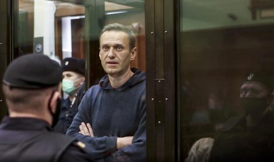 지난 2일(현지시간) 러시아 법원은 알렉세이 나발니에 대해 징역 3년 6개월의 실형을 선고했다. [AP=연합뉴스]