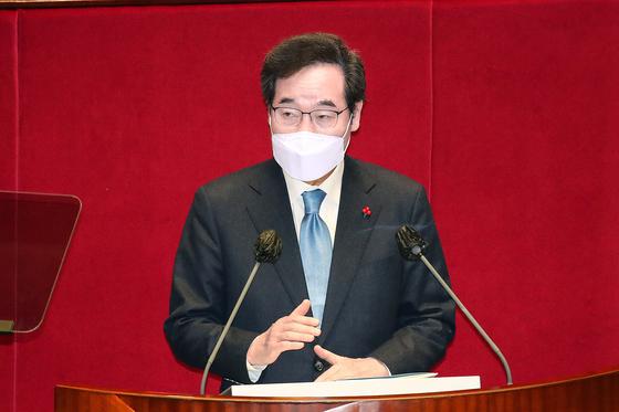 이낙연 더불어민주당 대표가 2일 국회 본회의에서 교섭단체 대표연설을 하고 있다. 오종택 기자