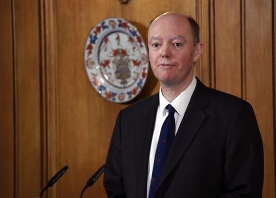 최근 영국에서는 크리스 휘티 교수(사진)가 제안한 봉쇄령을 좀더 빨리 실행에 옮겼어야 했다는 평가가 나온다. [AP=연합뉴스]