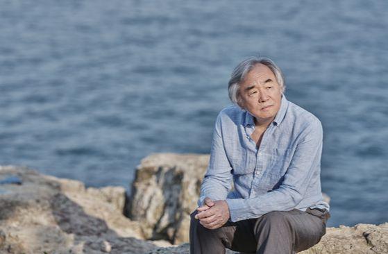 지난해 10월에 이어 슈만의 작품들을 한국 공연장에서 연주하는 피아니스트 백건우. [중앙포토]