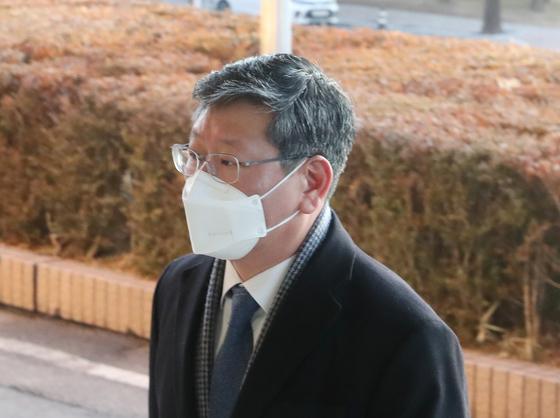 [단독]이용구 수사 경찰관 논란 직후 전화 변경