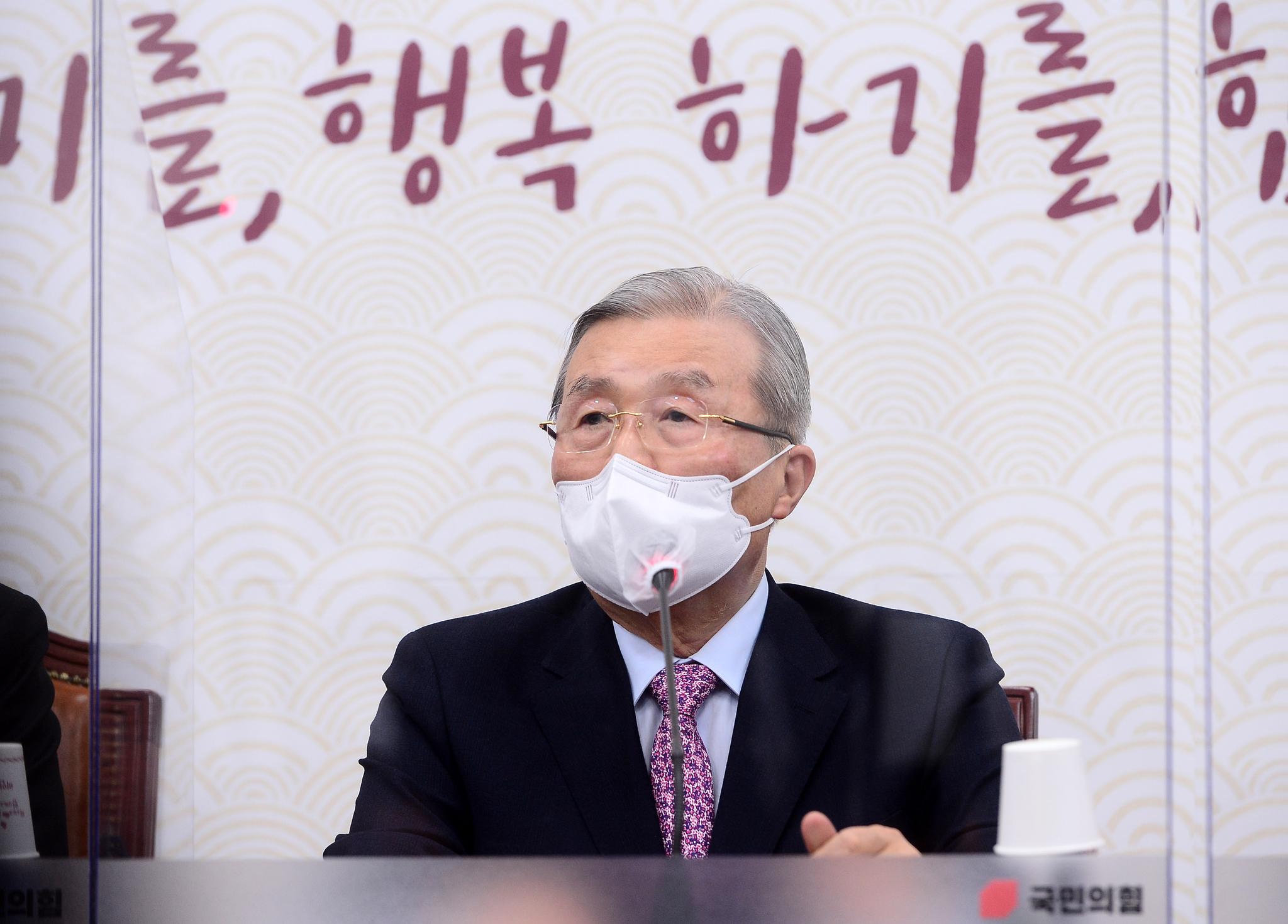 """미혼모 단 """"김정인의 '평범한 엄마가 많지 않다'는 발언에 대해 사과한다"""""""