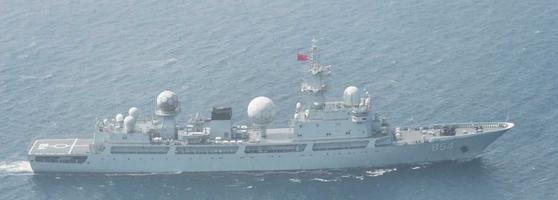 중국 인민해방군 북부전구 해군 소속 동댜오급 정보함. [일본 방위성]