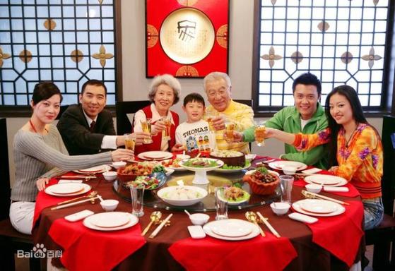 """""""이것이 새해 음식""""중국 젊은이들 사이에서 인기 폭발"""