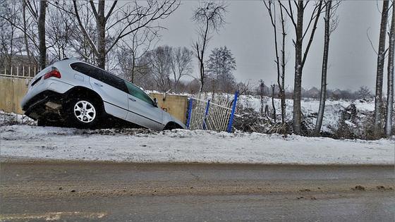운전 능력을 거의 상실한 고령 운전자로 인한 인명과 재산 피해는 어떻게든 막아야 한다. 캠페인같은 보여주기식 정책보다는 실질적인 방법이 필요하다. [사진 pixabay]