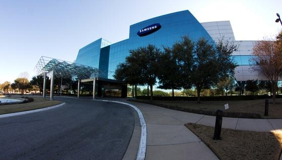 삼성전자가 미국 텍사스주에 운영 중인 삼성 오스틴 반도체공장. 고용 인력은 3000여 명이며, 지난해 상반기에 2조1400억원대 매출을 기록했다. [사진 삼성전자]