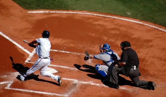 한국 선수가 메이저리그 선수보다 야구를 못하는 것은 기술의 문제가 아닌 체력의 문제다. [사진 pxhere]