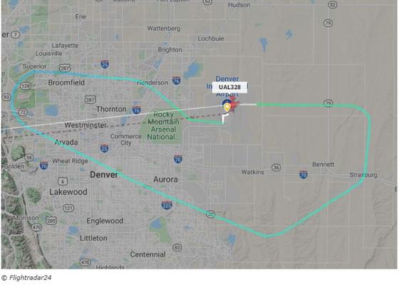 미국 유나이티드 항공의  UA328 편 여객기의 이륙 후 비상 착륙하기까지 비행 항로.