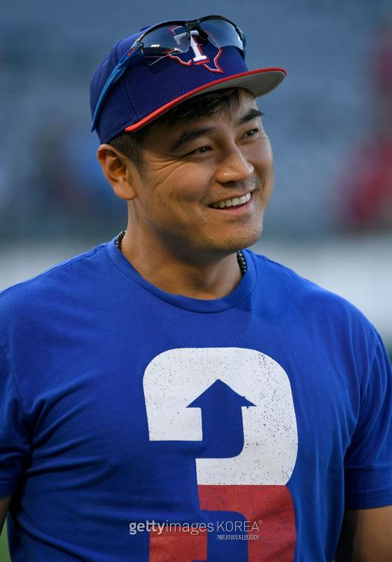 ANAHEIM, CA - AUGUST 27: Shin-Soo Choo #17 of the Texas Rangers during batting practice before playing the Los Angeles Angels at Angel Stadium of Anaheim on August 27, 2019 in Anaheim, California. (Photo by John McCoy/Getty Images)