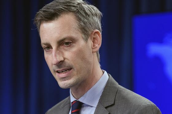 네드 프라이스 미 국무부 대변인이 22일 정례 브리핑을 하고 있다. [AP=연합뉴스]