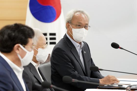 문성현 경사노위 위원장. [중앙포토]