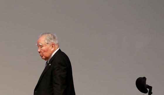 지난 2017년 스즈키의 스즈키 오사무 회장이 인도 간디나르에서 열린 인도-일본 정례회의에 참석했을 때 모습. [로이터=연합뉴스]