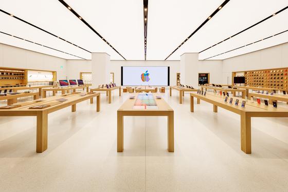 3년 만에 대형매장 오픈…'외산폰 무덤' 한국에 공들이는 애플