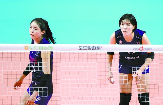이재영과 이다영(왼쪽). 연합뉴스