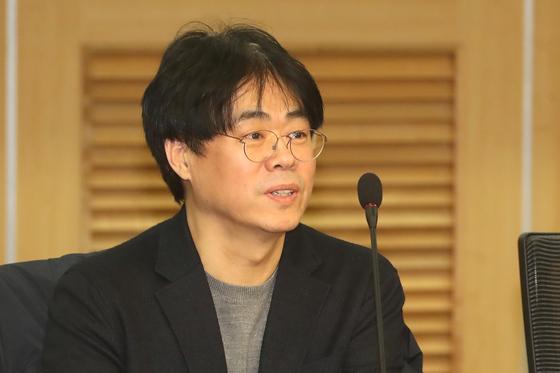 김경율 전 참여연대 집행위원장이 지난 1월 22일 오후 서울 여의도 국회 의원회관에서 열린 새로운보수당 초청강의에서 발언을 하고 있다. 뉴스1