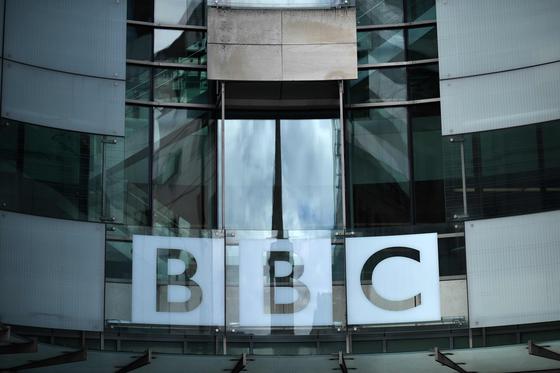 저 사람 누구야? BBC, 가짜 美상원의원 인터뷰 망신살