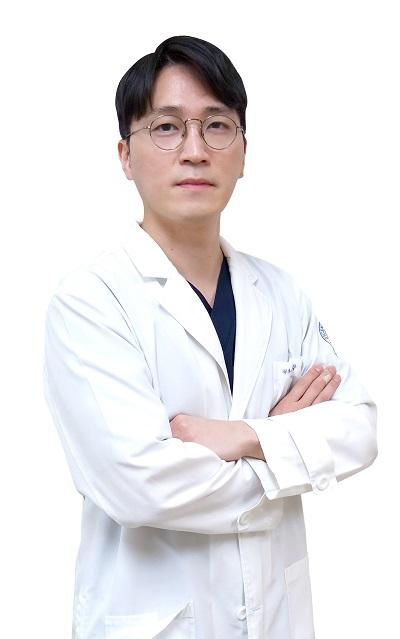 사진: 광명21세기병원 신종화 원장