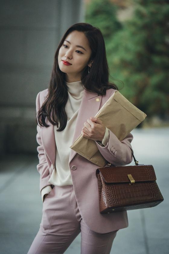 드라마 '빈센조'에서 홍차영 변호사 역을 맡은 전여빈. [사진 tvN]