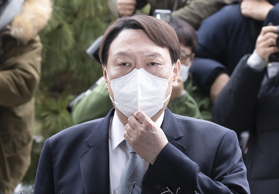 윤석열 검찰총장이 4일 오후 서울 서초동 대검찰청에서 사의 표명을 하고 있다. 임현동 기자