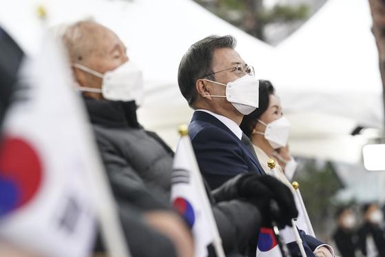 문재인 대통령이 1일 오전 서울 종로구 탑골공원에서 열린 제102주년 3.1절 기념식에 참석해 있다. 뉴스1