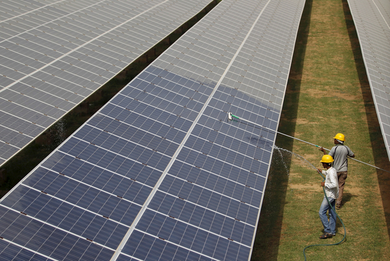 """""""아시아의 기후 대응에는 4 개의 경원 투자가 필요하다 … 한국과 일본은 청정 에너지를 수입해야한다"""""""