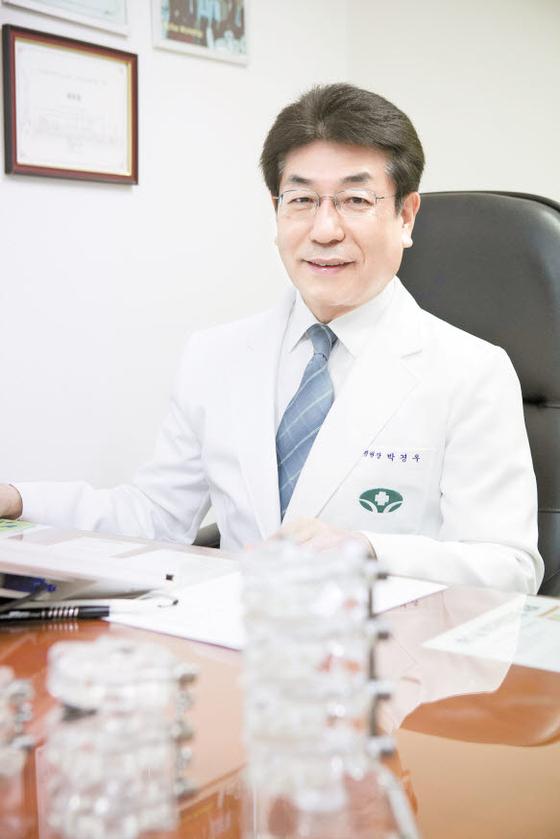 [라이프 트렌드&] 추간공과 관련된 척추 통증, 추간공확장술로 근본부터 공략해야