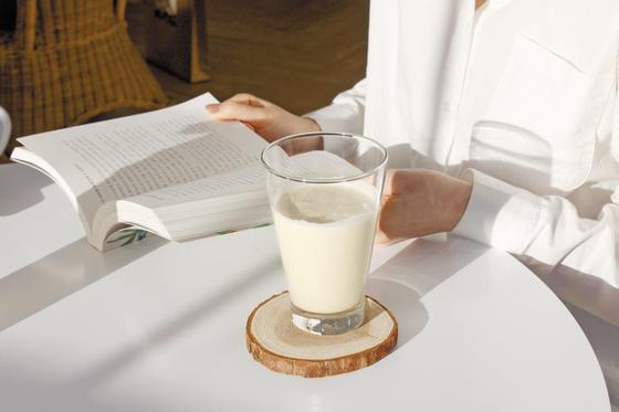 라이프샐러드는 하루에 필요한 영양성분을 골고루 섭취할 수 있게 도와주는 '완전균형영양식'으로 보존제나 인공 향료, 색소 등 첨가물은 전혀 넣지 않았다. [사진 라이프샐러드]